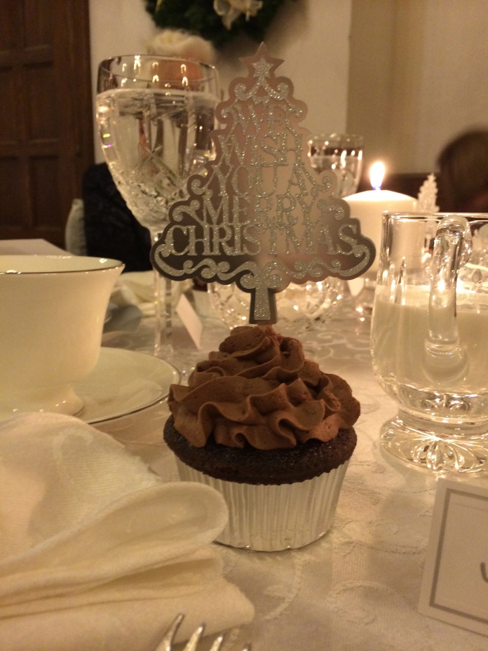 My Chocolate-Orange Cream Cupcake with Chocolate Grand Marnier frosting in all its Christmas glory.